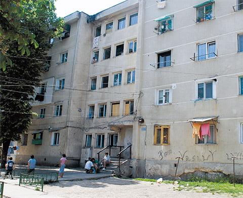 Cadavru în putrefacție, descoperit într-un apartament din Vaslui