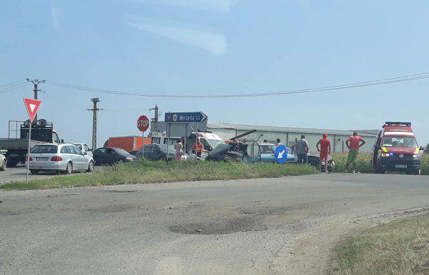Accident cu trei victime produs de un șofer de 61 de ani neatent