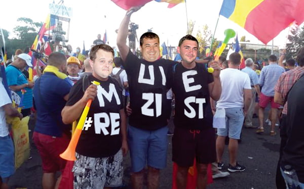 Mesajul tinerilor pesedisti la Open Camp | PAMFLET