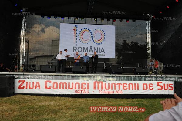 Mioara Velicu si Steliana Sima, la Sãrbãtoarea comunei Muntenii de Sus | FOTO