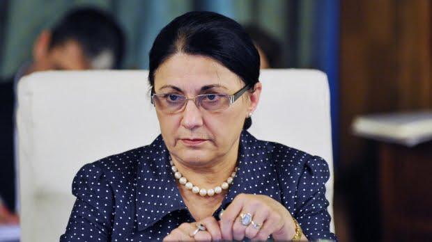 Klaus Iohannis a semnat decretul de numire a Ecaterinei Andronescu la Ministerul Educaţiei