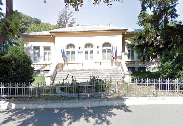 Centrul Militar Judetean Vaslui va fi pãzit de agenti cu… fluiere si spray lacrimogen!