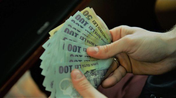 S-a anunțat creșterea salariilor, începând de luna viitoare! Românii vor avea mai mulți bani pe ștatul de plată. Iată care este suma cu care se majorează plata PE ORĂ!