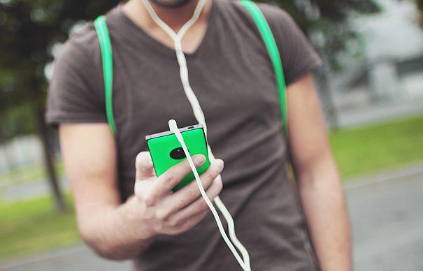 Utilizatorii de iPhone sunt jefuiţi. Au fost decoperite metodele prin care sunt păcăliţi