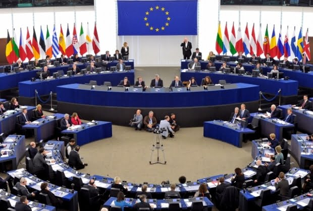 Lovitură pentru România în plin scandal pe justiţie. Accesul la fonduri europene, condiţionat de respectarea statului de drept