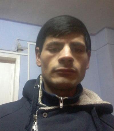 Un individ din Husi, arestat dupã ce a atacat o elevã într-o scarã de bloc!