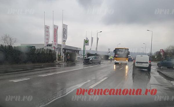 Accident grav la ieșire din municipiul Vaslui: trei mașini au fost implicate