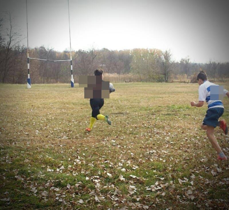 Copil de 13 ani bãtut crunt, dupã ce a câstigat o competitie la rugby