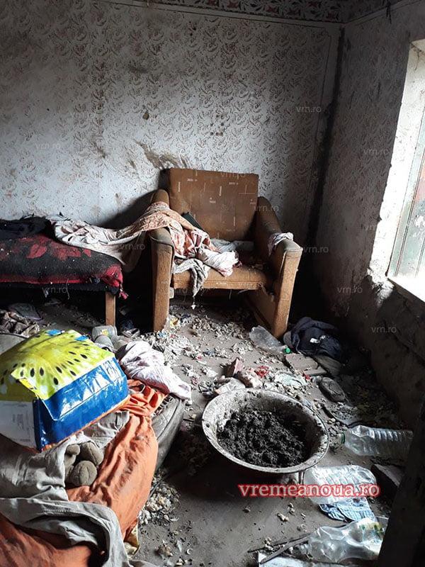 Copilãrie în mizerie si inconstientã: sapte copii salvati din iad! (FOTO)
