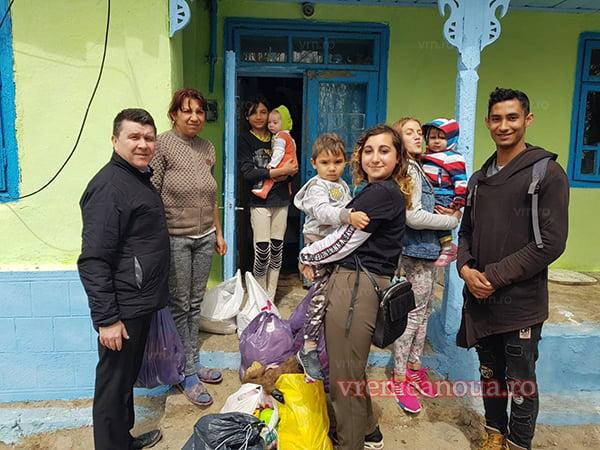 """Tinerii ortodocsi din Asociatia """"Filantropia Ortodoxã"""", în ajutorul unor familii din Husi!"""