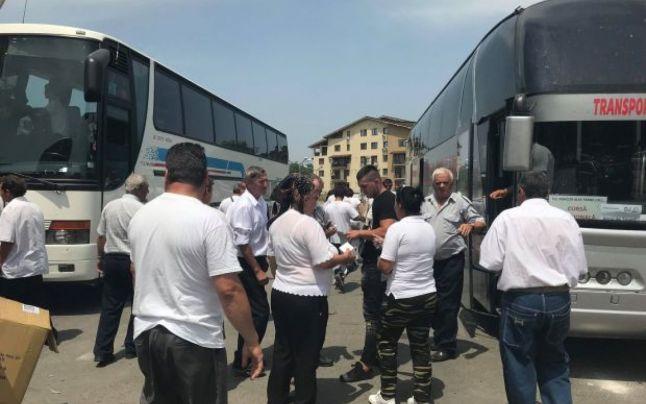 Campanie electorală cu forţa. Angajaţi de la stat, siliţi de şefi să facă propagandă pentru PSD şi Claudiu Manda