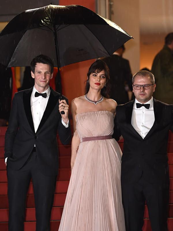 """Regizorul Corneliu Porumboiu, aplaudat la scenă deschisă la Cannes. Ambasadorul României în Franța: """"Un film alert"""""""