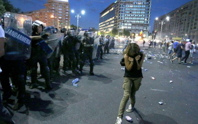 Gunoiul rămâne sub preş. Organizarea acţiunii jandarmilor pentru mitingul din 10 august, la secret