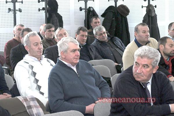 """Mobilizare fãrã precedent a alesilor locali din judetul Vaslui: """"Iesiti public si explicati-le oamenilor!"""""""