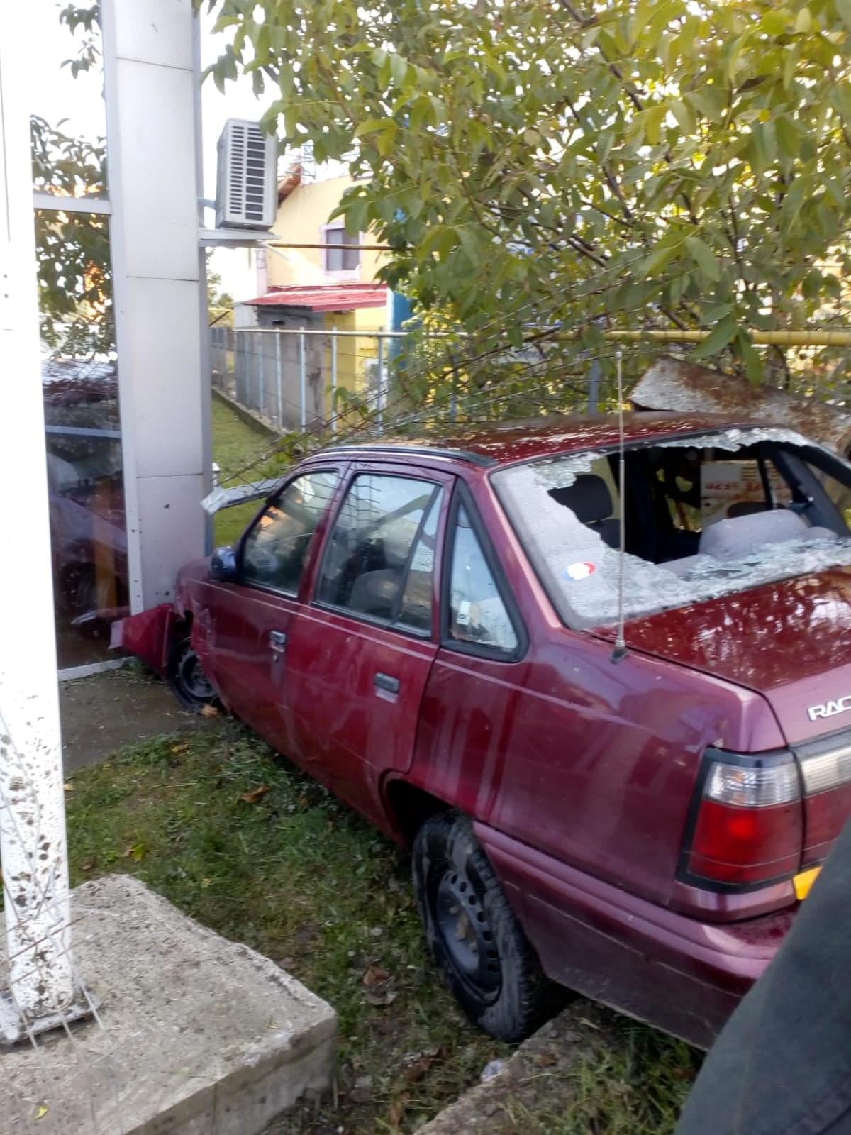 Pericol de explozie la ieșirea din Vaslui: un autovehicul a rupt o țeavă de alimentare cu gaze naturale