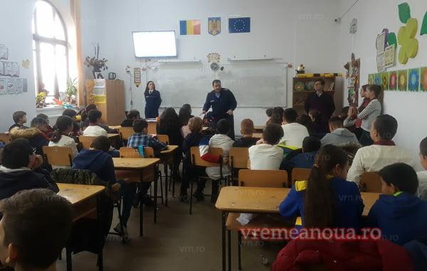 Prevenirea violentei în scolile din Bârlad (FOTO)