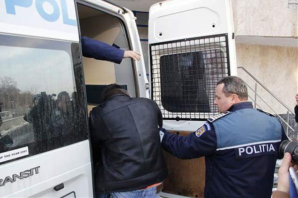 Hotul Bolocan, bãgat la zdup de politistii bârlãdeni