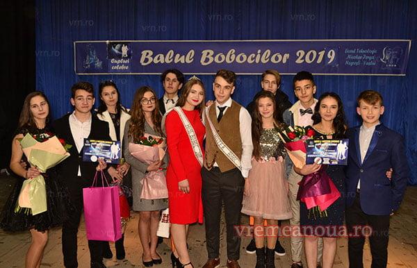 """Cupluri celebre, la Balul Bobocilor de la Liceul """"Nicolae Iorga"""" din Negresti"""