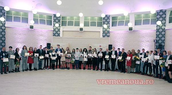Gala olimpicilor vasluieni: 77 de elevi si profesorii lor, premiati pentru rezultate remarcabile la nivel national   FOTO