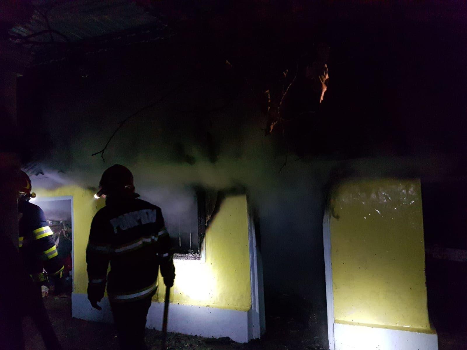 Incendiu la o casă din Zorleni
