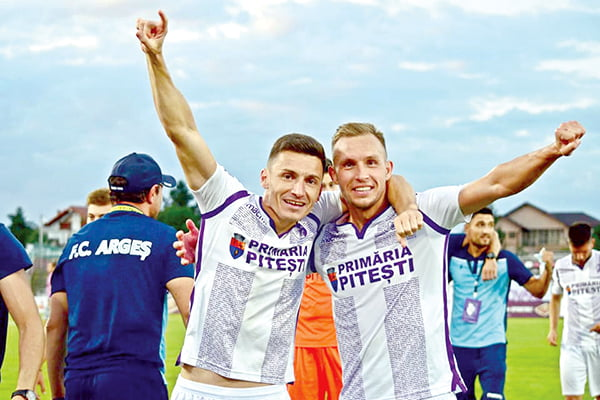 Buhãescu si Pânzaru au promovat în Liga 1